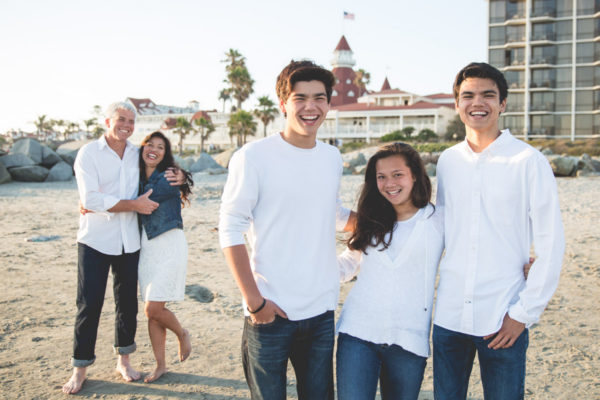 coronado beach photographer  |  san diego family photography   {coronado family of 5}