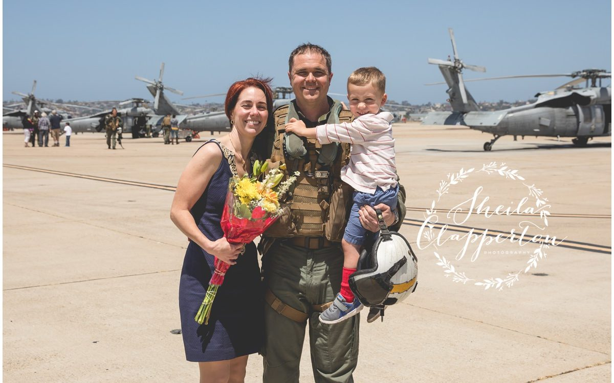 nasni helicopter squadron fly in  |  military homecoming photography  {san diego military photographer}